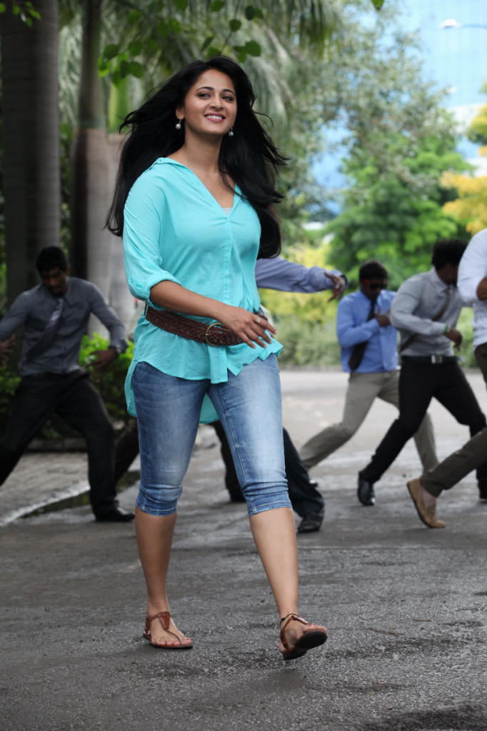 Anushka Stylish Look Photo Still From Movie Mirchi
