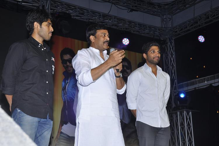 Chiranjeevi,Allu Sirish And Allu Arjun Photo Clicked During Promotion Of Movie Gouravam