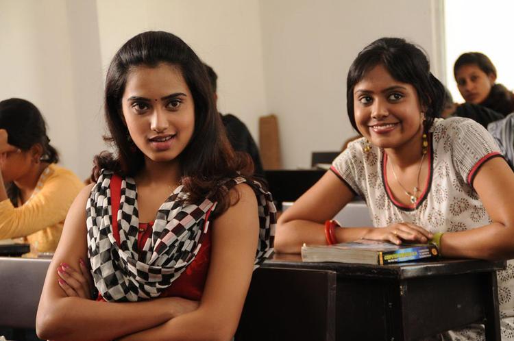 Dimple Crazy Look Photo Still From Movie Yaaruda Mahesh