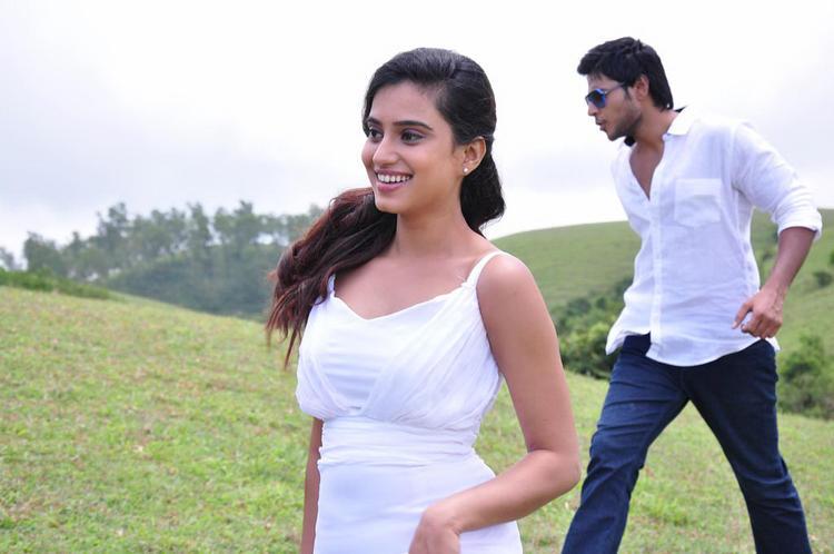 Sandeep And Dimple Dashing Look Photo Still From Movie Yaaruda Mahesh