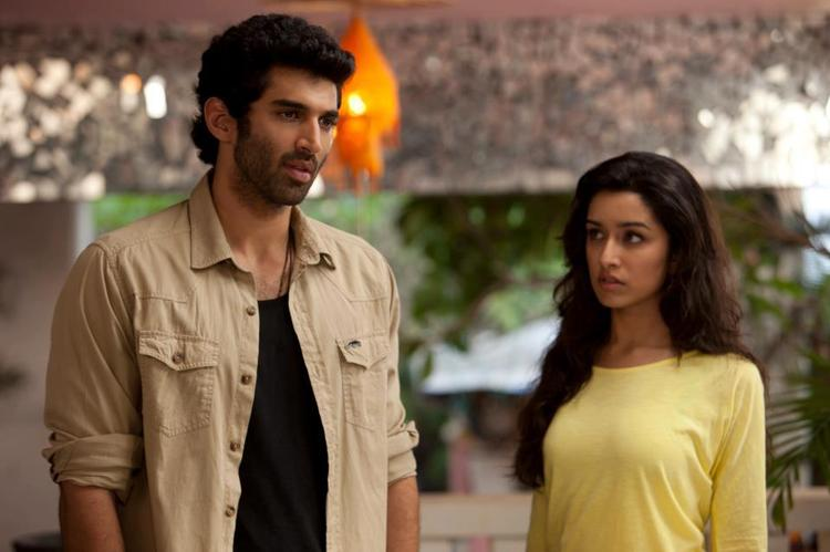 Aditya And Shraddha Nice Look Photo Still From Movie Aashiqui 2