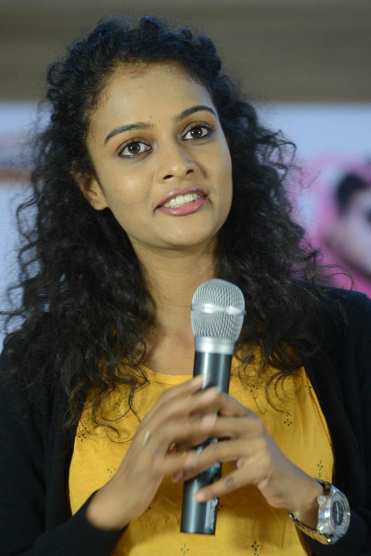 Sonia Deepti Speaking Still At Mr.Manmadha Platinum Disc Function