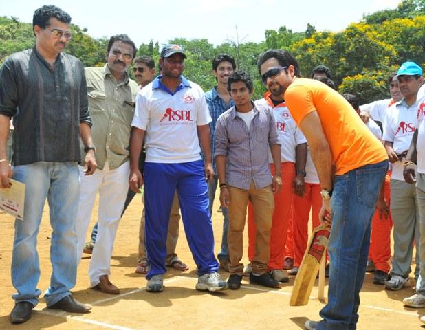 Emraan Batting Snap At Media Cup Cricket Tournament