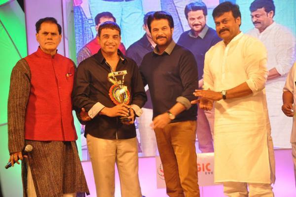 Anil Kapoor And Chiranjeevi Posed At TV 9 Film Awards