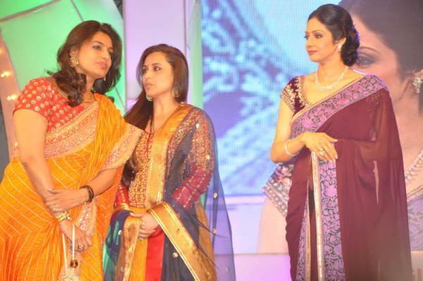 Rani Mukerji And Sridevi Kapoor Present At TV 9 Film Awards