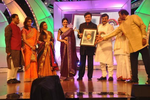 Rani Mukerji,Sridevi Kapoor,Shatrughan Sinha And Chiranjeevi Graced At TV 9 Film Awards