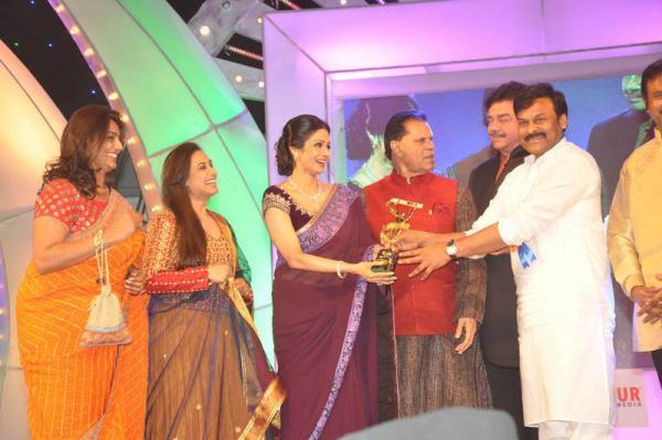 Rani,Sridevi,Chiranjeevi And Shatrughan Snapped At TV 9 Film Awards