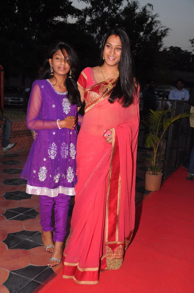 Surekha Vani Posed For Camera At TSR-TV9 National Film Awards 2011-2012 Presentation Function
