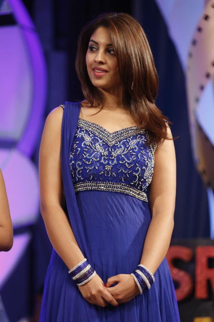 Richa Gangopadhyay Glamour Look In Salwar Suit At TSR TV9 Film Awards Function