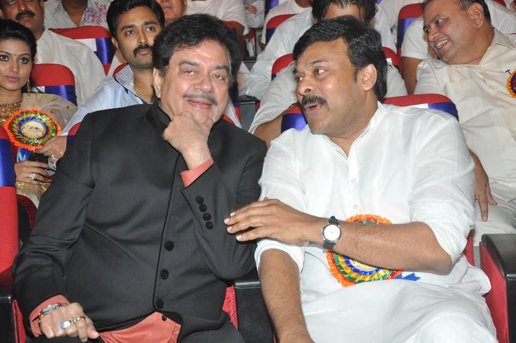 Chiranjeevi And Shatrughan Cool Chatting Still At TSR-TV9 National Film Awards 2011-2012 Presentation Function