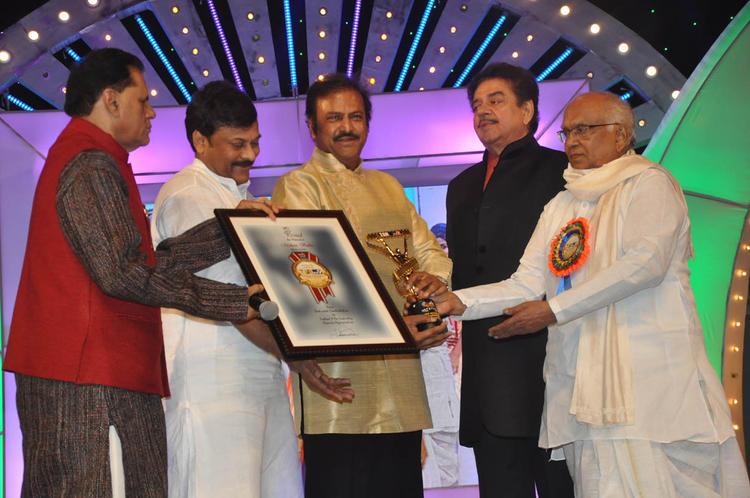 T.Subbarami Reddy,Chiranjeevi,Shatrughan And Akkineni Nageswara Rao At TSR-TV9 National Film Awards 2011-2012 Presentation Function