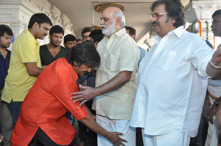 Mohan Take Bless From K Raghavendra And Dasari Narayana Looks On At Mohan Babu New Movie Opening Event