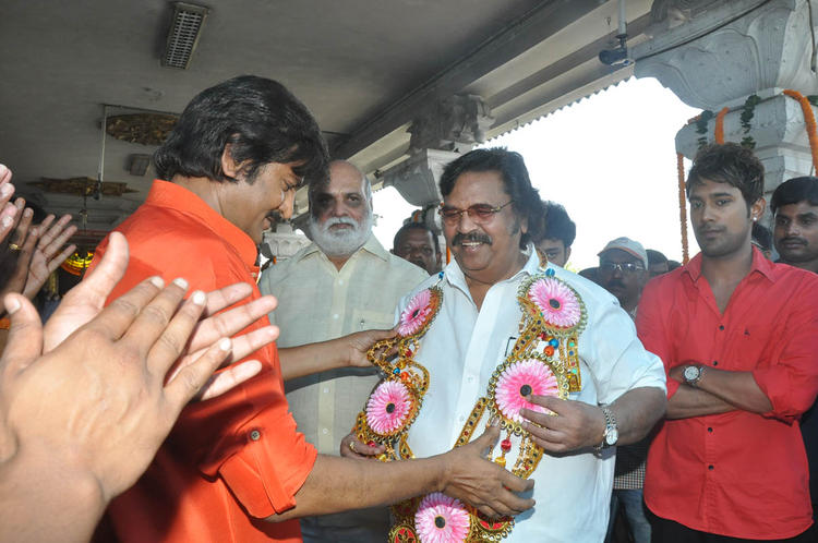 Mohan Welcomed To Dasari Narayana,K Raghavendra And Varun Present At Mohan Babu New Movie Opening Event