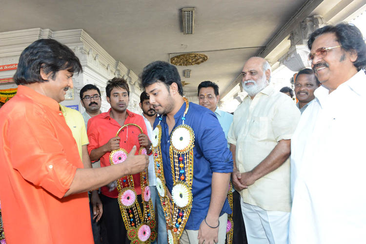 Mohan Welcomed To Tanish,Varun,K Raghavendra And Dasari Narayana Smiling Look At Mohan Babu New Movie Opening Event