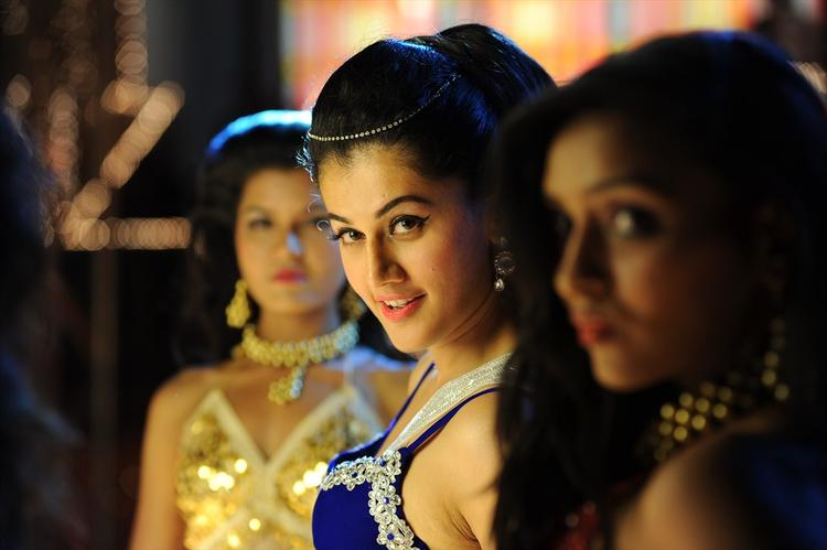 Taapsee Pannu Dazzling Look Still From Shadow Movie