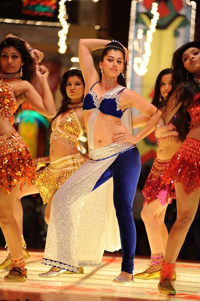 Taapsee Pannu Sizzling Look In Dancing Pose From Shadow Movie