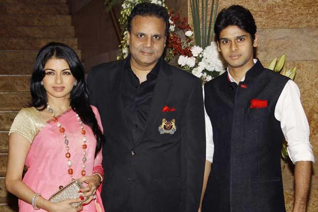 Bhagyashree With Hubby Himalaya And Son Abhimanyu Posed