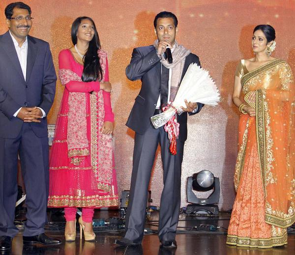 Salman Speaking And Sridevi Looks On At Jai Maharashtra Channel Launch Function