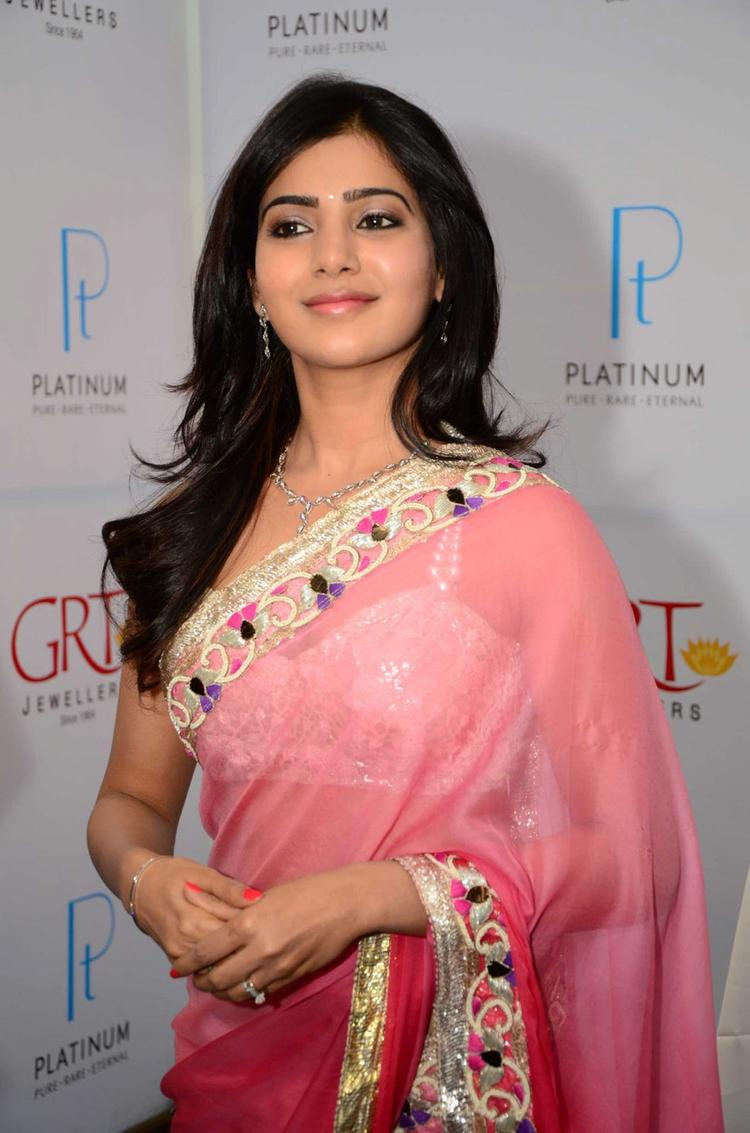 Samantha Dazzles In Saree At GRT Jewellers