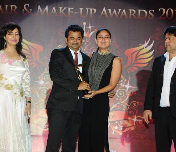 Anil And Kareena Smiling Look At Bharat N Dorris Hair Styling And Make Up Awards 2013