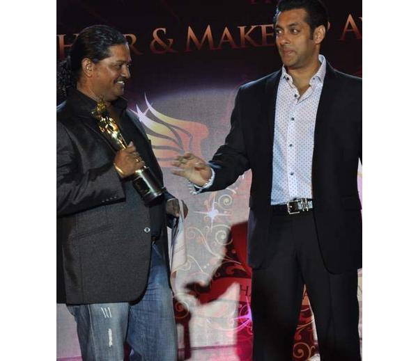 Salman Khan Nice Look At Bharat N Dorris Hair Styling And Make Up Awards 2013