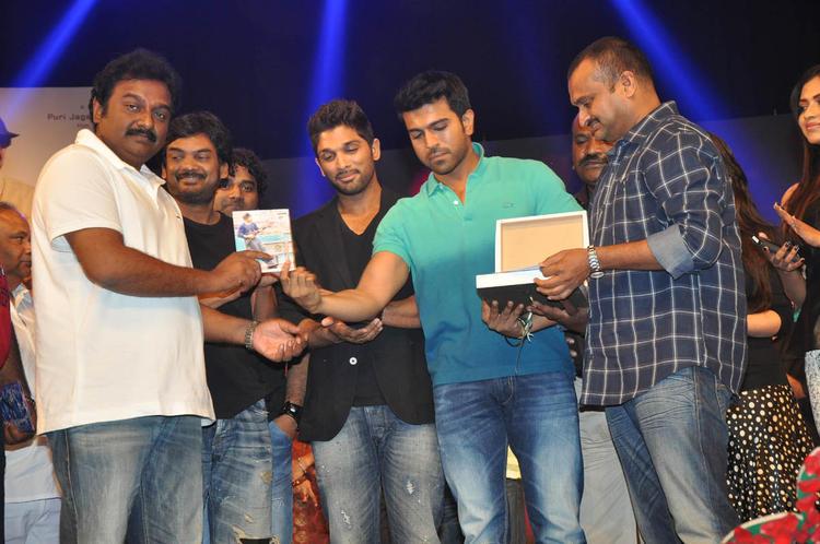 V. V. Vinayak,Puri Jagannadh,Allu And Ram Charan Posed At Iddarammayilatho Audio Launch Function
