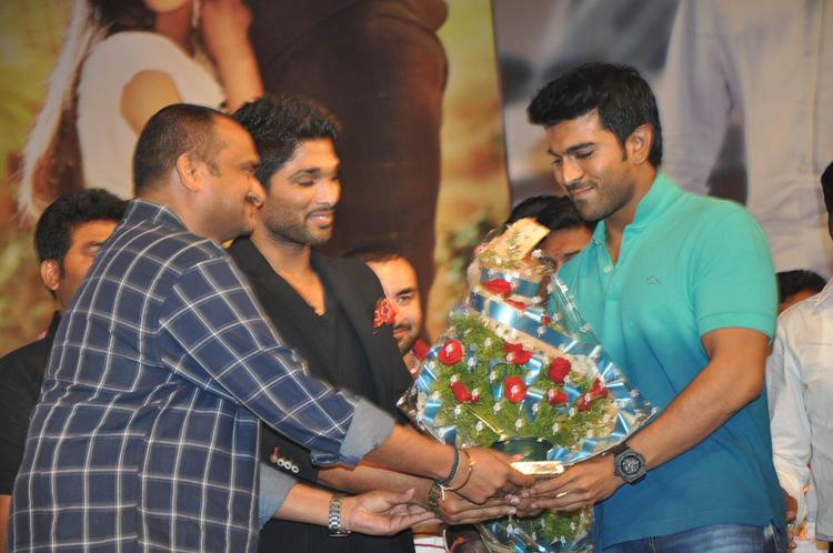 Allu Arjun And Ram Charan Teja Cool On The Stage At Iddarammayilatho Audio Launch Function