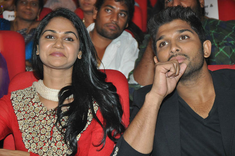 Sneha With Hubby Allu At Iddarammayilatho Audio Launch Function