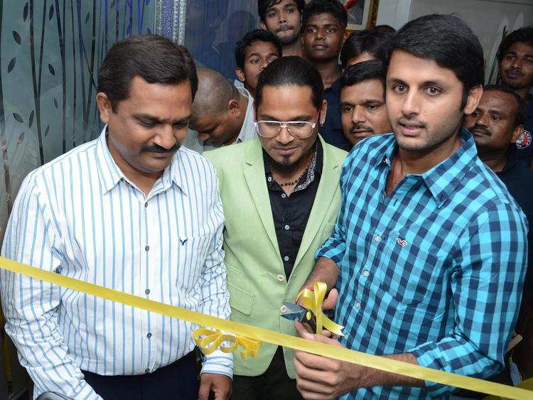 Actor Nithin Inaugurates Alexander Group of Salon