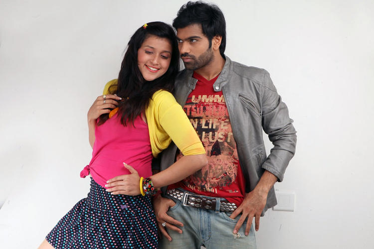 Barbie And Sreeram Chandra Sizzling Look Still From Prema Geema Jantha Nai Movie