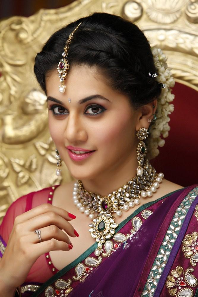 Taapsee Pannu Beautiful Face Look Still From Shadow Movie