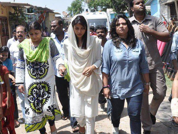 Priyanka Snapped At Her Spot Boy Jiban Batra Funeral Ceremony