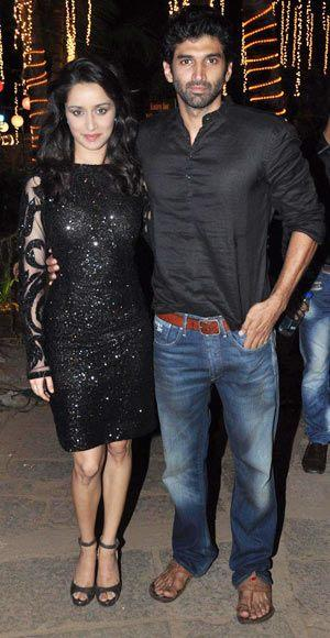 Shraddha Kapoor with Aditya Roy Kapur At Aashiqui 2 Music Concert