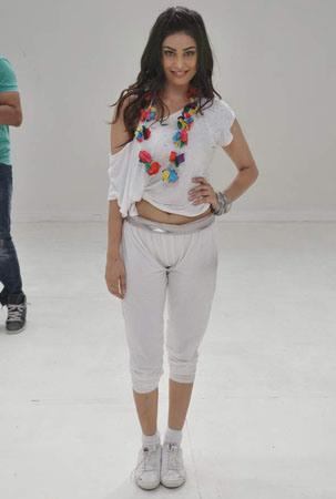 Puja Gupta During The Shooting Of A Song From Their Upcoming Film Shortcut Romeo