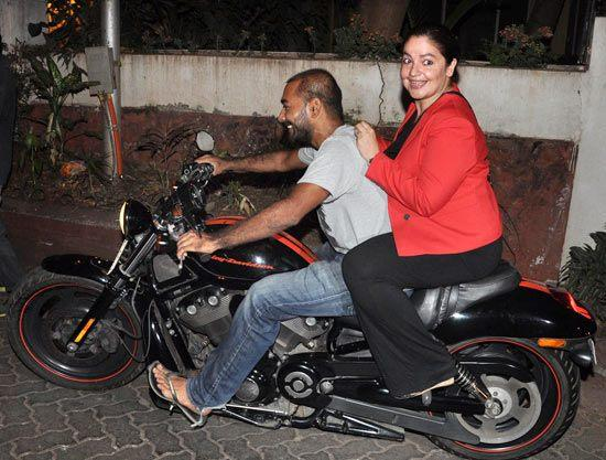 Pooja Bhatt During Special Screening Of Aashiqui 2