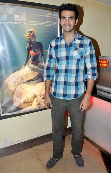 Karan Grover Spotted At The Premiere Of Film Shree