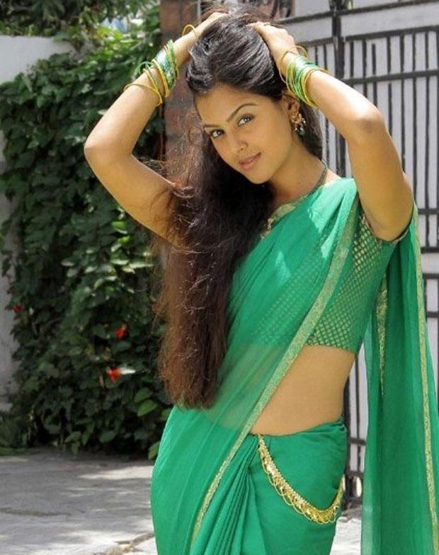 Monal Gajjar in Beautiful Green Saree Picture
