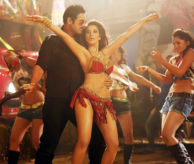 John And Sophie Sexy Dance Look Still From Shootout At Wadala Movie