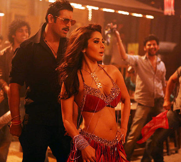 Sophie And John Hot Look Still From Shootout At Wadala Movie