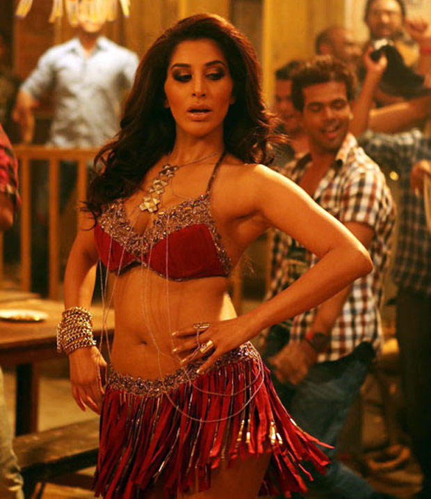 Sophie Choudry Sexy Look Still From Shootout At Wadala Movie