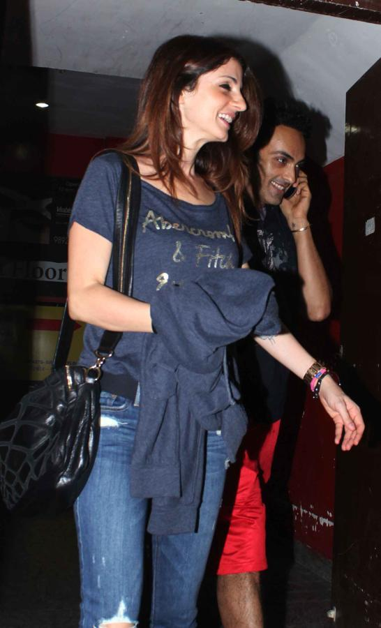 Suzanne Roshan Snapped At The Screening Of Iron Man 3