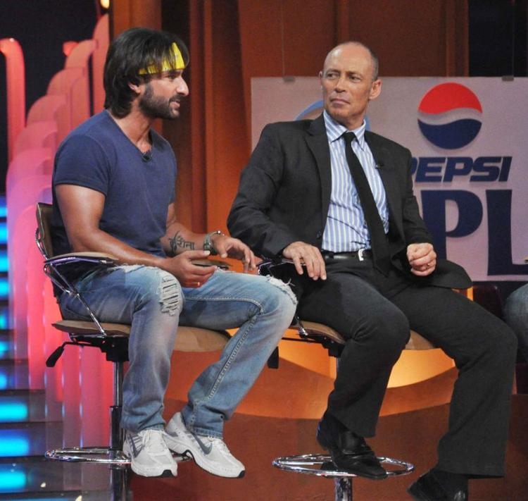 Saif Ali Khan Discussion On The Sets Of Extra Innings T20 IPL 2013