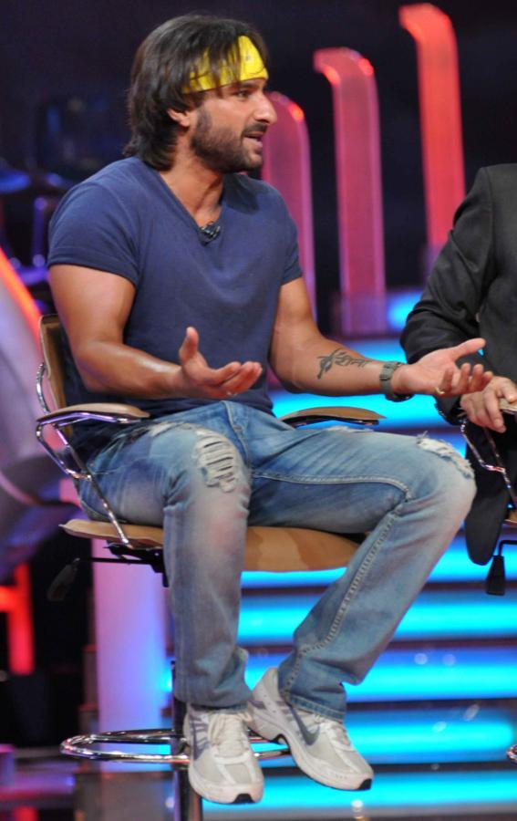 Saif Ali Khan Speaking Look On The Sets Of Extra Innings T20 IPL 2013 For Promoting Go Goa Gone