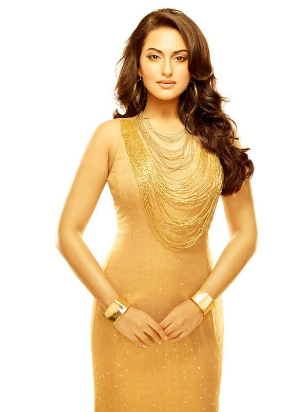 Sonakshi Sinha Stunning Look Shoot For Dabur Gulabari Print AD