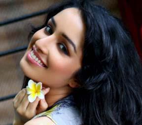Shraddha Kapoor Cute Smiling Look Still