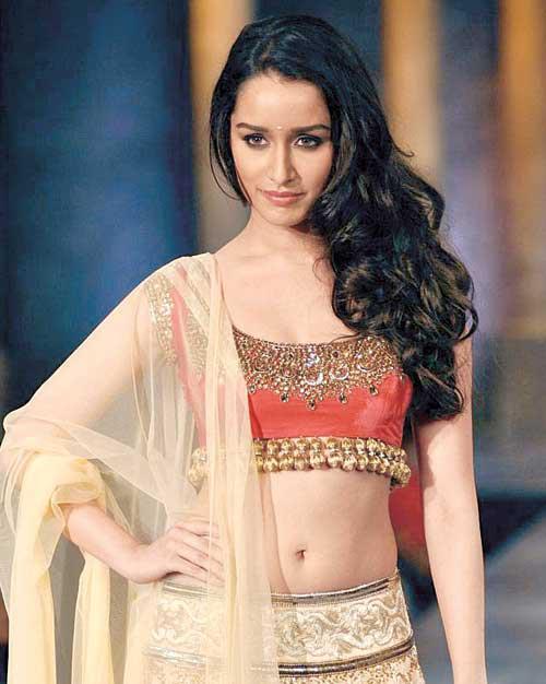 Shraddha Kapoor Navel Show Sexy Look Still
