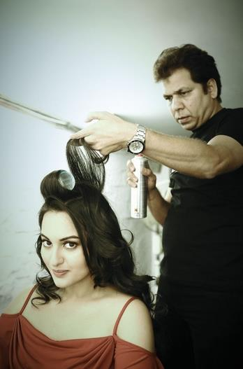 Sonakshi Sinha Hair Dressing Still On The Sets Of Photoshoot