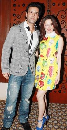 Aamir Ali and Sanjeeda Sheikh Were Present At The GR8 Women Achievers Awards 2013