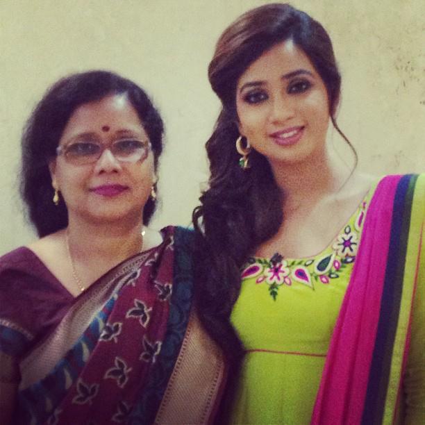 shreya ghosal beautiful look - photo #3