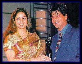 Shahrukh And Sridevi Cool Smiling Pose With Awards Still